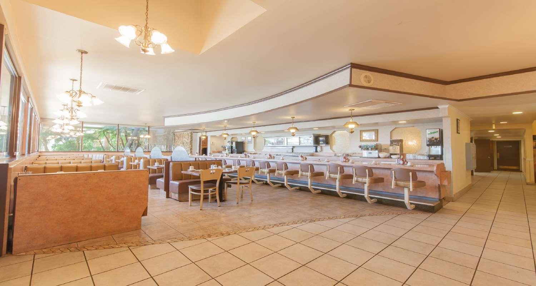 Restaurant - SureStay Plus Hotel by Best Western Bakersfield