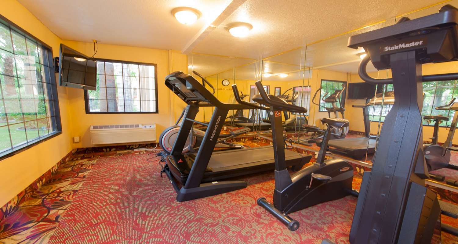 Fitness/ Exercise Room - SureStay Plus Hotel by Best Western Bakersfield