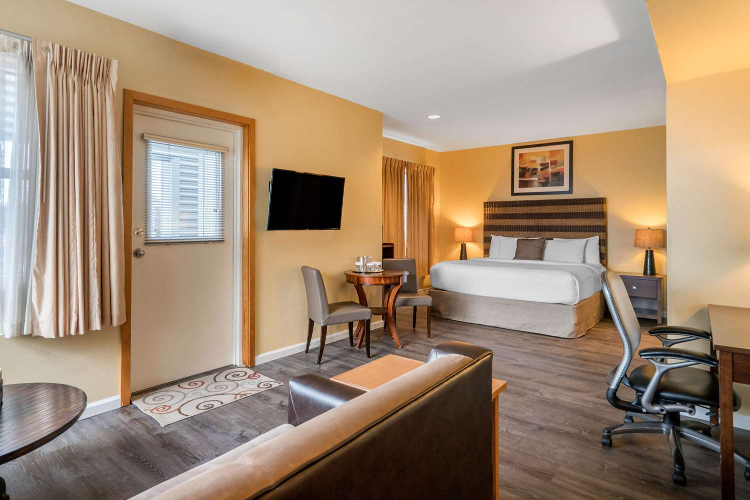 Suite - Inn at Port Gardner Everett