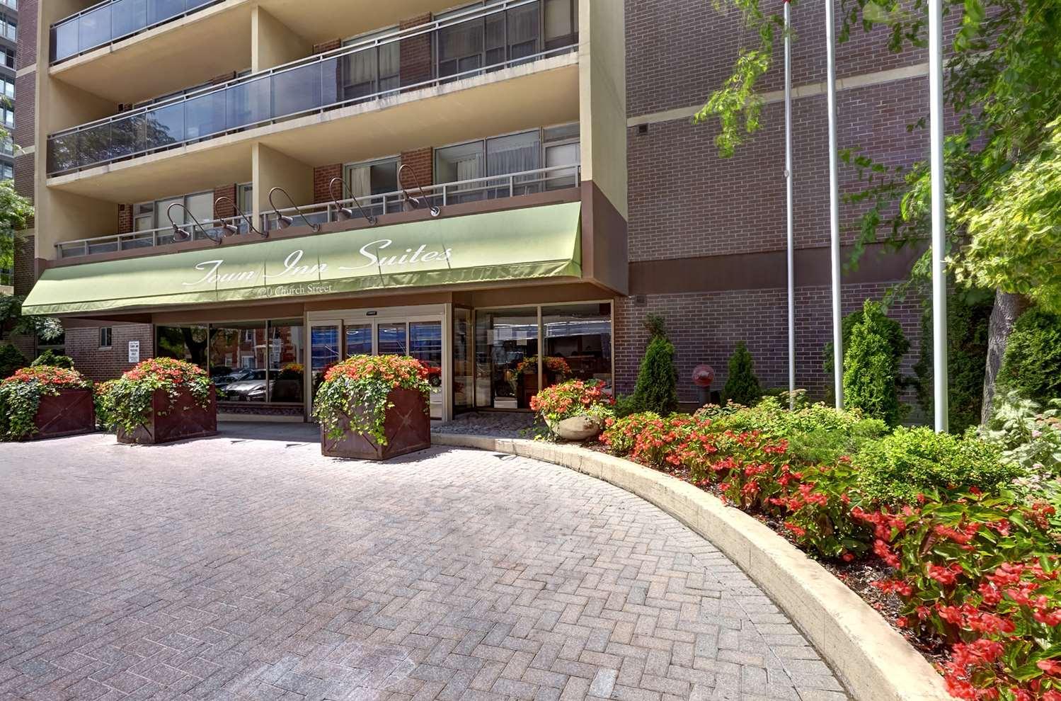 Exterior view - Town Inn & Suites Toronto