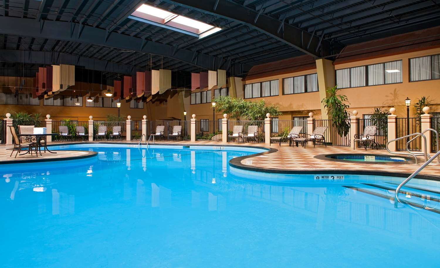 Pool - Red Lion Hotel Albany