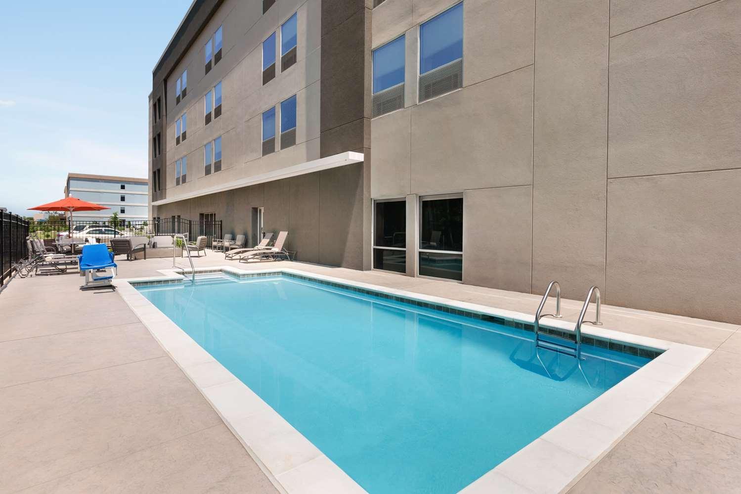Pool - La Quinta Inn & Suites Rock Hill