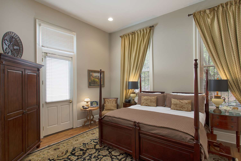 Room - Hamilton-Turner Bed & Breakfast Inn Savannah