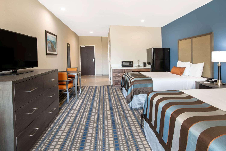 Suite - Wingate by Wyndham Hotel Corpus Christi