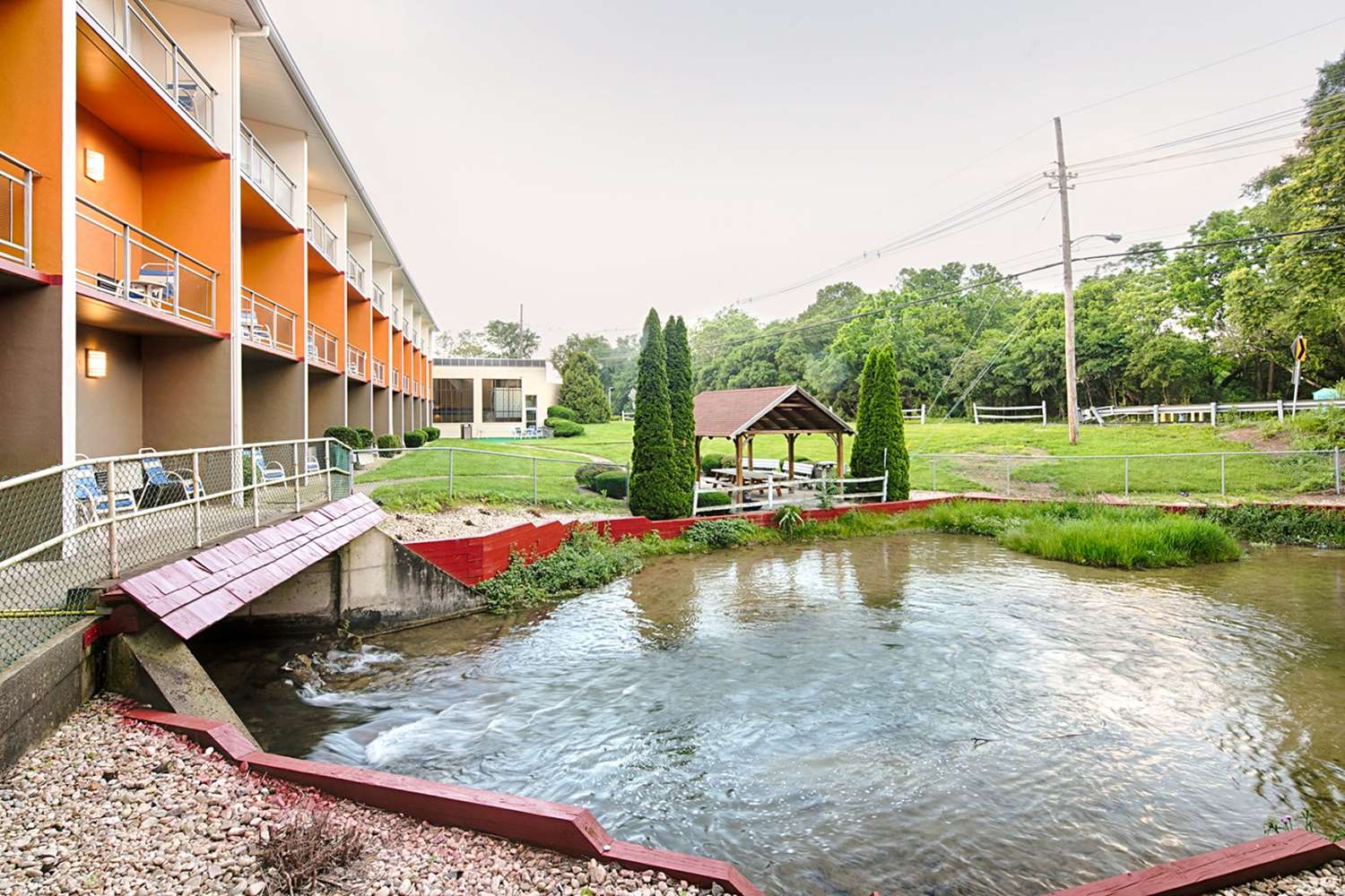 Exterior view - Clarion Inn & Suites Chambersburg