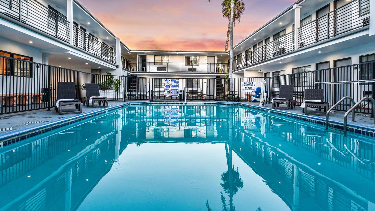 Pool - SureStay Collection by Best Western Sunset West Hotel Hollywood