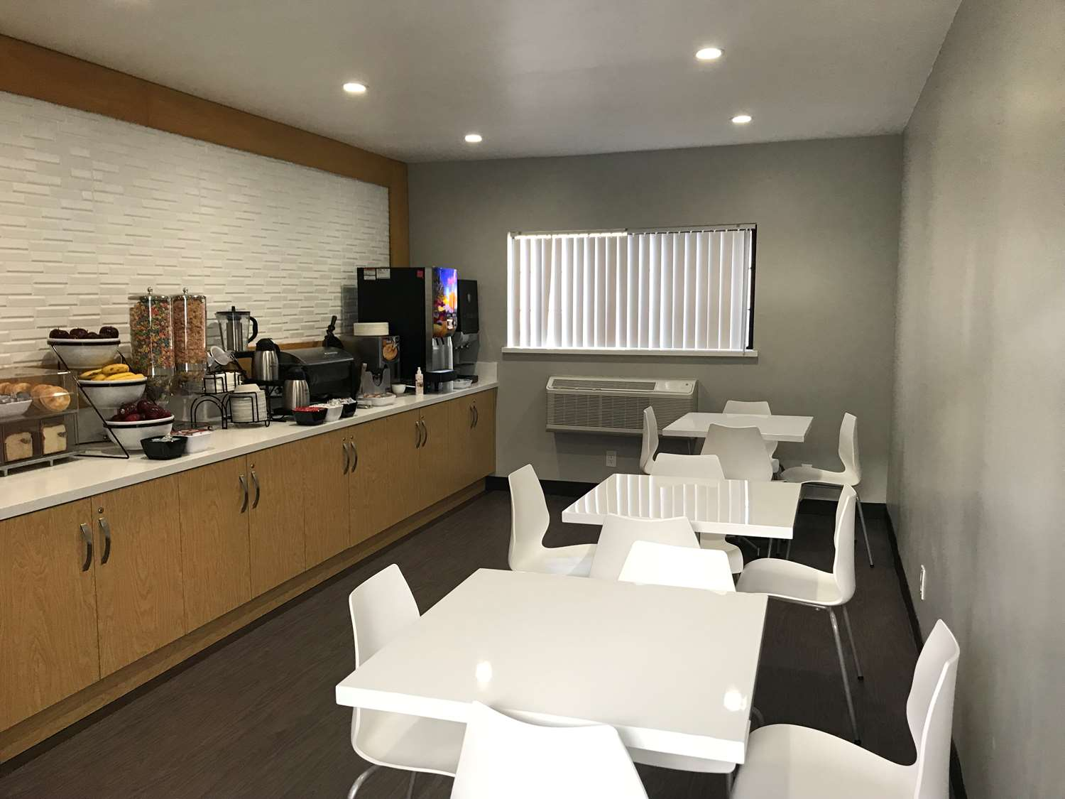 Restaurant - SureStay Collection by Best Western Sunset West Hotel Hollywood