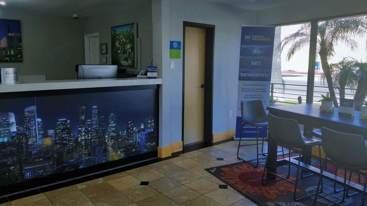 Lobby - SureStay Collection by Best Western Sunset West Hotel Hollywood