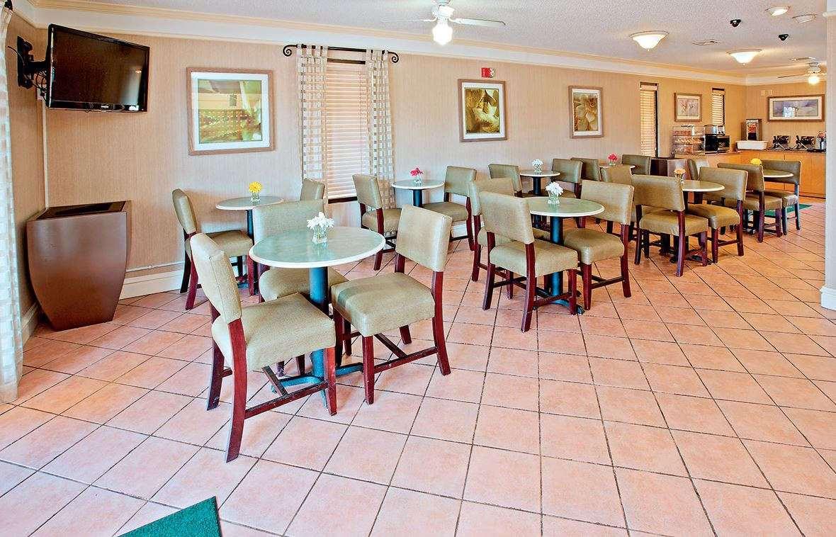 Restaurant - Baymont Inn & Suites Hamilton Place Mall Chattanooga