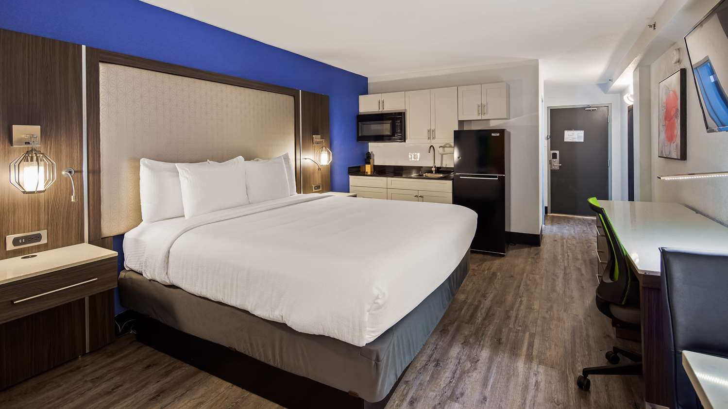 Room - Best Western Plus Executive Residency Denver Stapleton Hotel