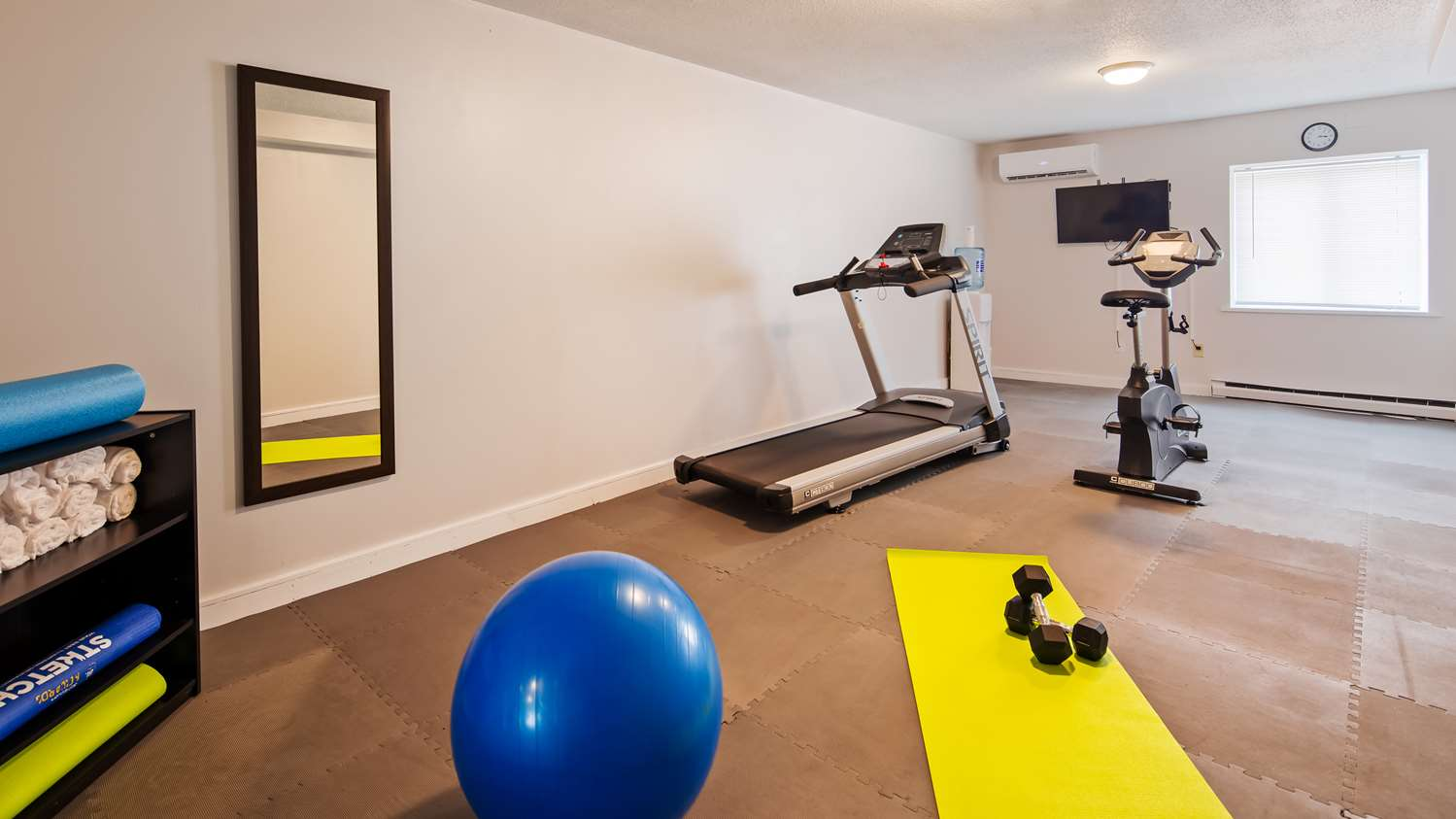 Fitness/ Exercise Room - SureStay Hotel by Best Western Presque Isle