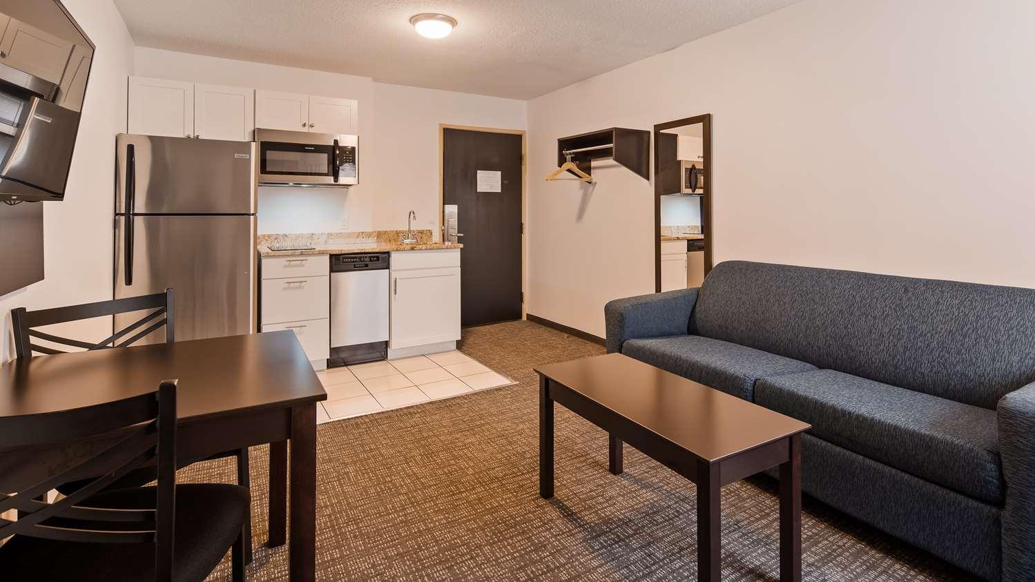 Suite - SureStay Hotel by Best Western Presque Isle