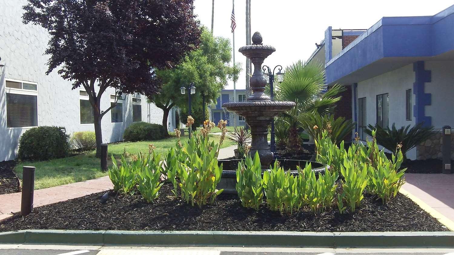 Exterior view - SureStay Plus Hotel by Best Western Sacramento