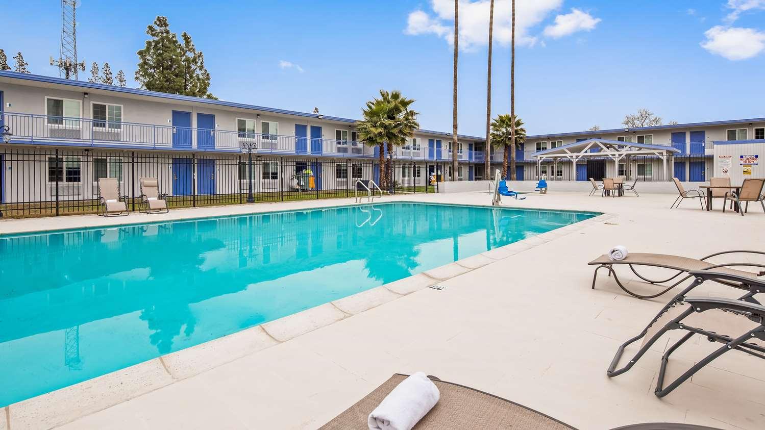 Pool - SureStay Plus Hotel by Best Western Sacramento