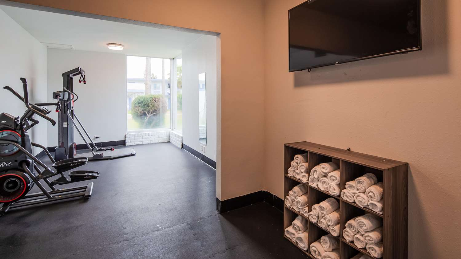 Fitness/ Exercise Room - SureStay Plus Hotel by Best Western Sacramento