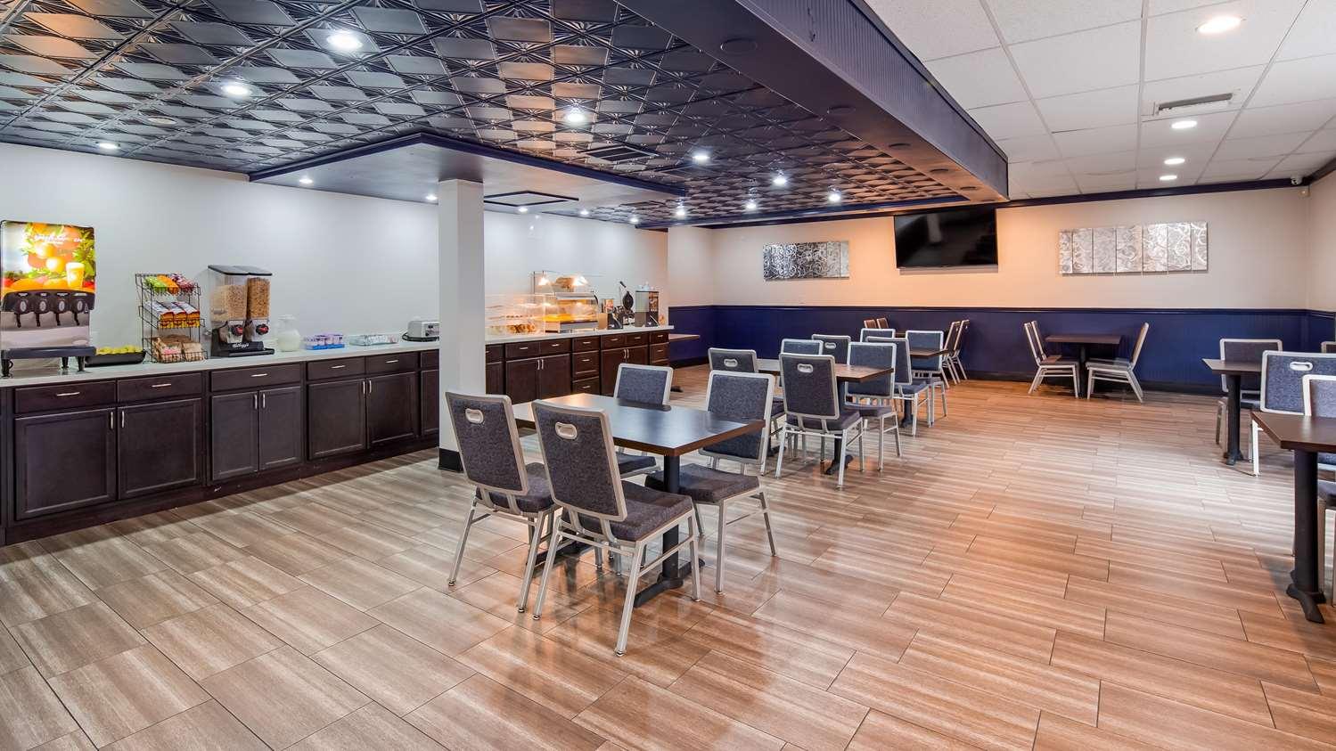 Restaurant - SureStay Plus Hotel by Best Western Sacramento