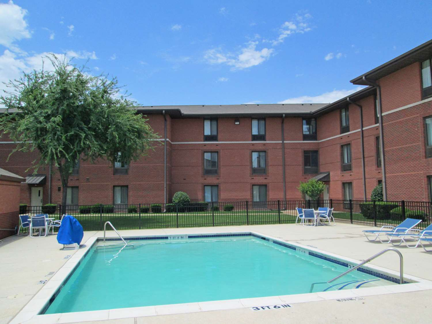 Pool - Extended Stay America Hotel Six Flags Arlington