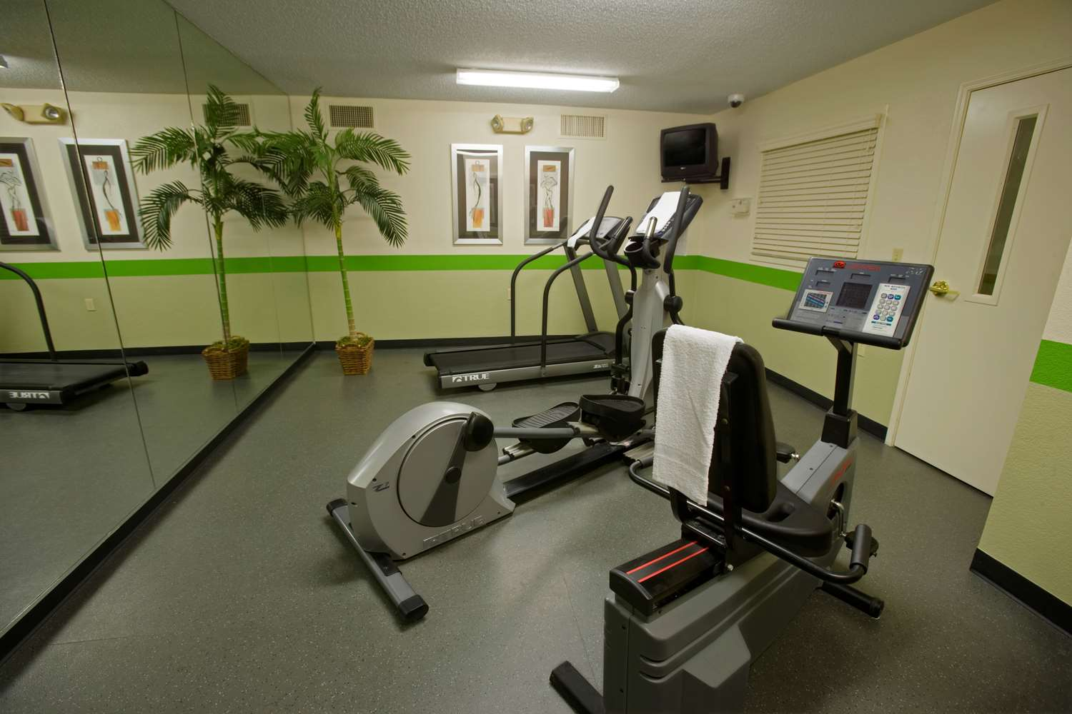 Fitness/ Exercise Room - Extended Stay America Hotel Warren