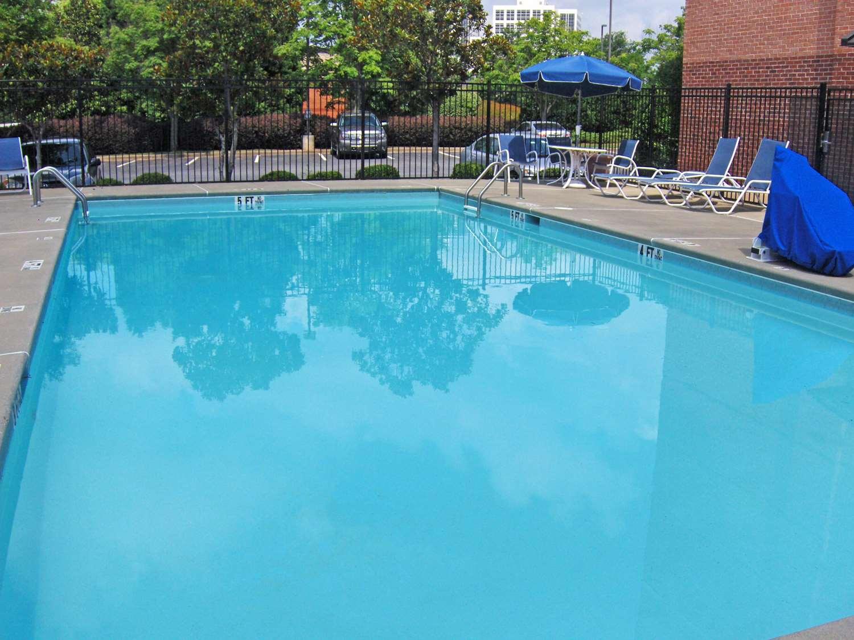 Pool - Extended Stay America Hotel Cumberland Mall Atlanta