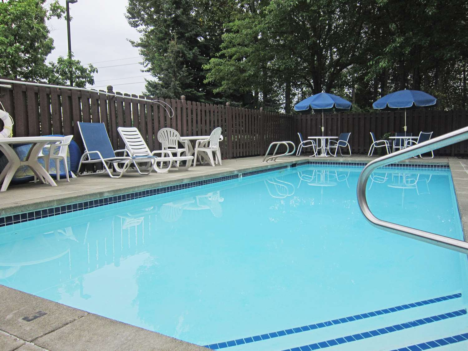 Pool - Extended Stay America Hotel Renton
