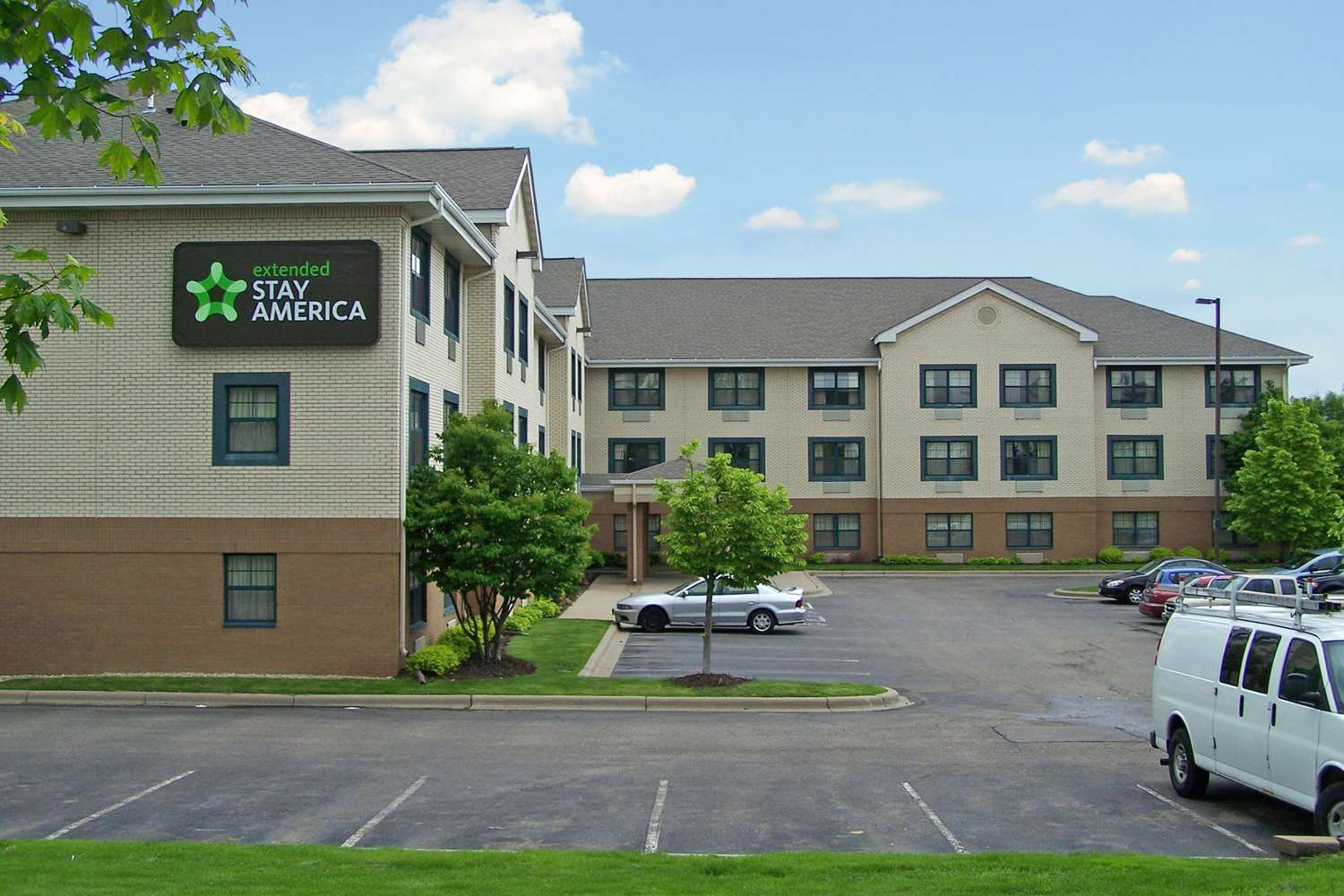 Exterior view - Extended Stay America Hotel Maple Grove