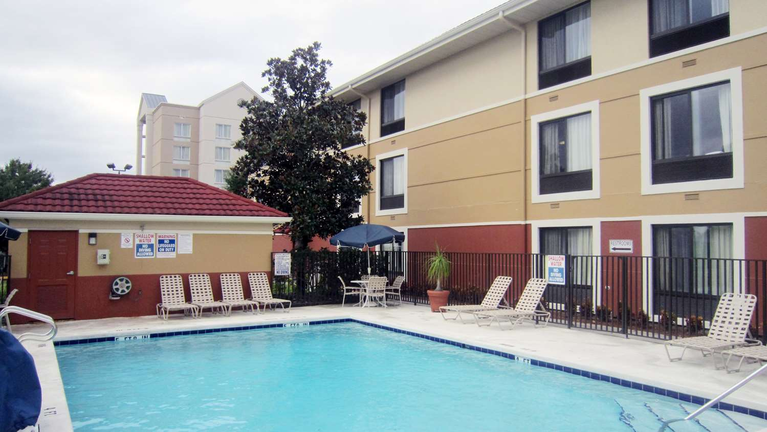 Pool - Extended Stay America Hotel Vineland Road Orlando