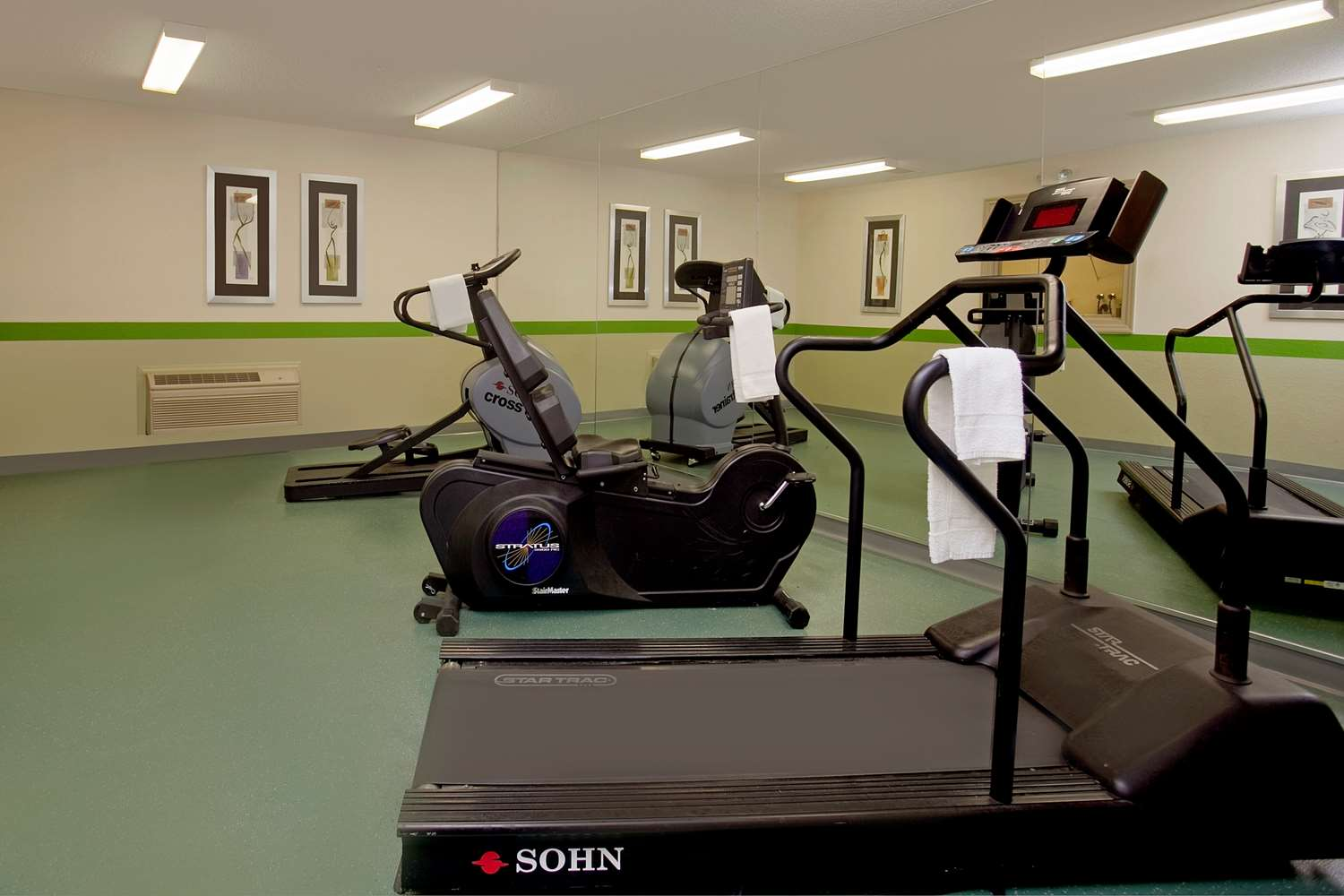 Fitness/ Exercise Room - Extended Stay America Hotel Yorktown Center Lombard