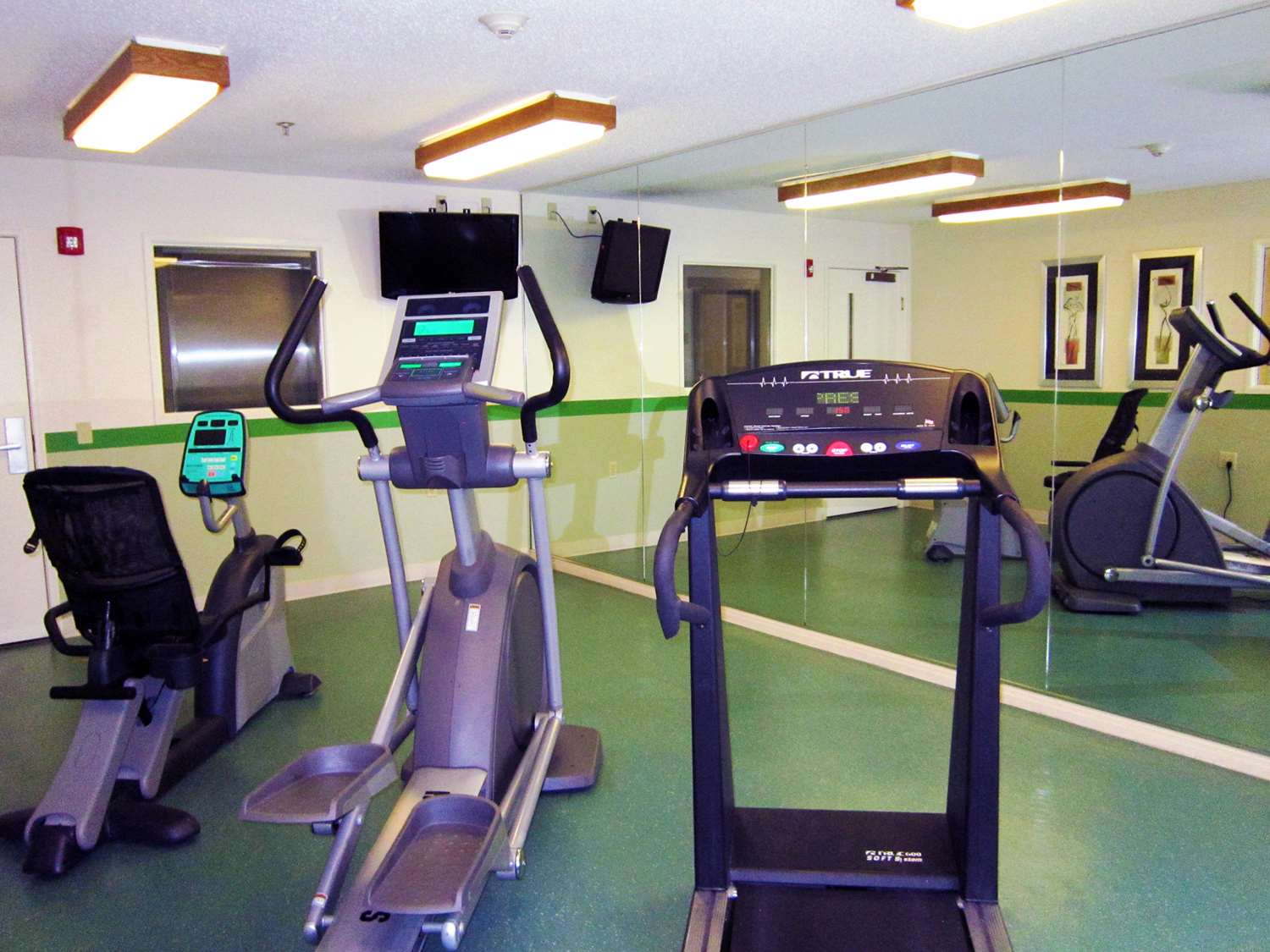 Fitness/ Exercise Room - Extended Stay America Hotel Colonnade San Antonio