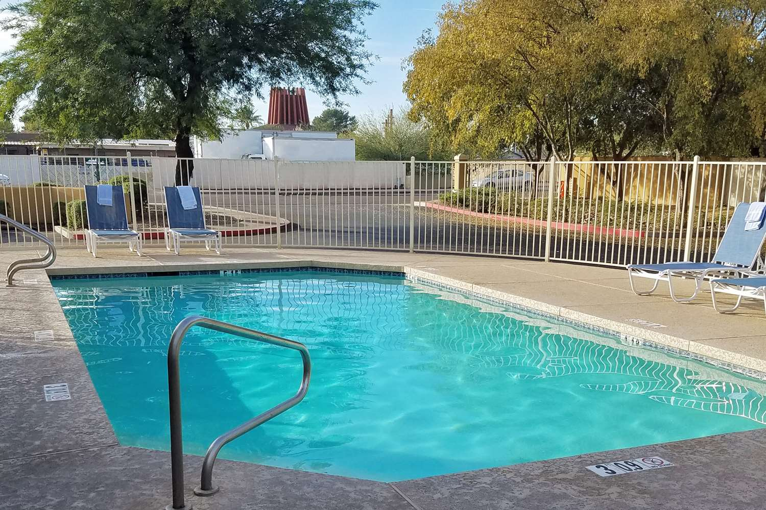 Pool - Extended Stay America Hotel Old Town Scottsdale