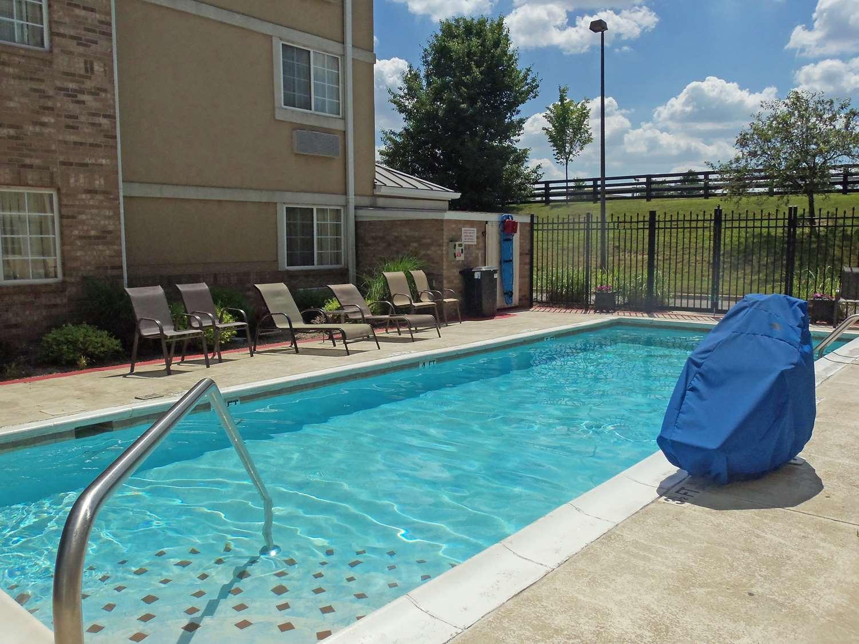 Pool - Extended Stay America Hotel Alliant Avenue Jeffersontown