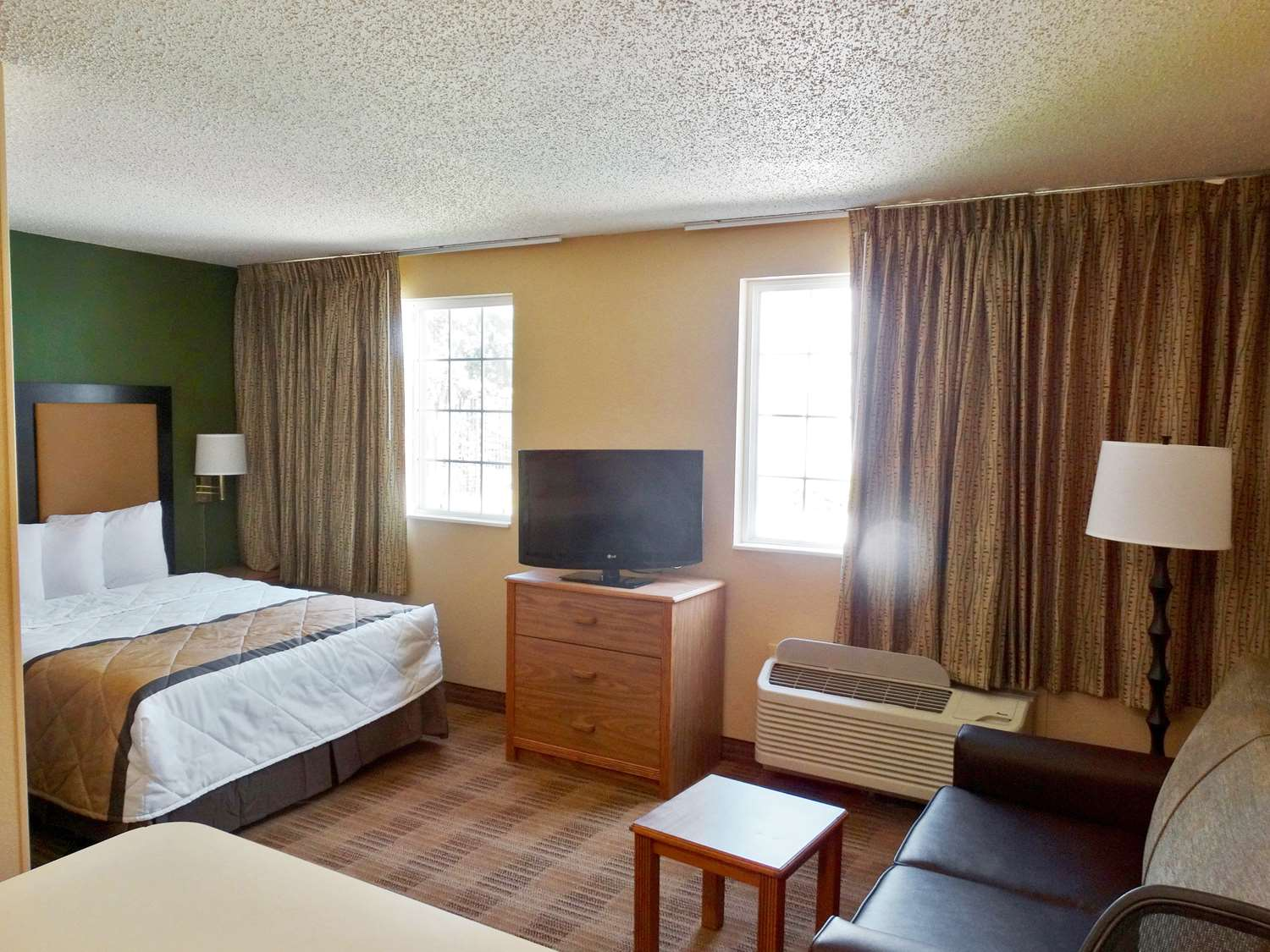 Room - Extended Stay America Hotel Airport Hotel Warwick