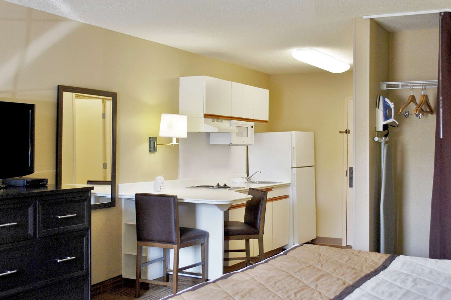 Room - Extended Stay America Hotel Brookfield