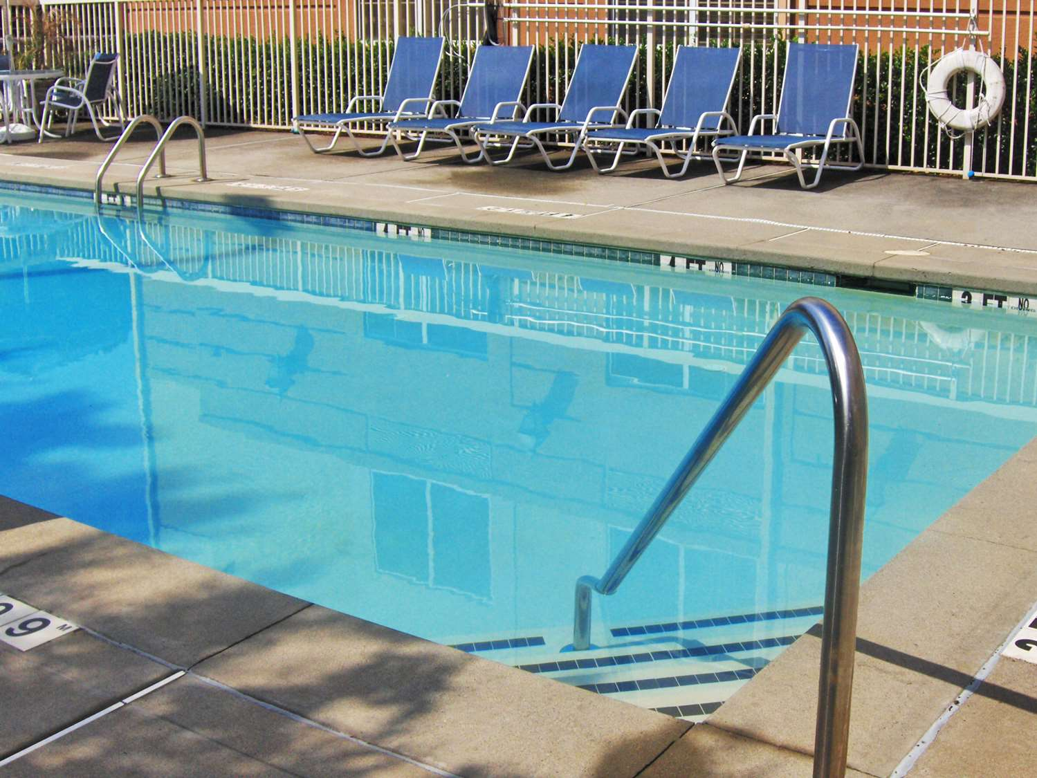 Pool - Extended Stay America Hotel North Aurora
