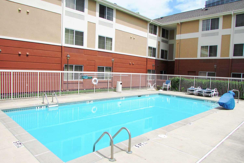Pool - Extended Stay America Hotel Peachtree Dunwoody Atlanta