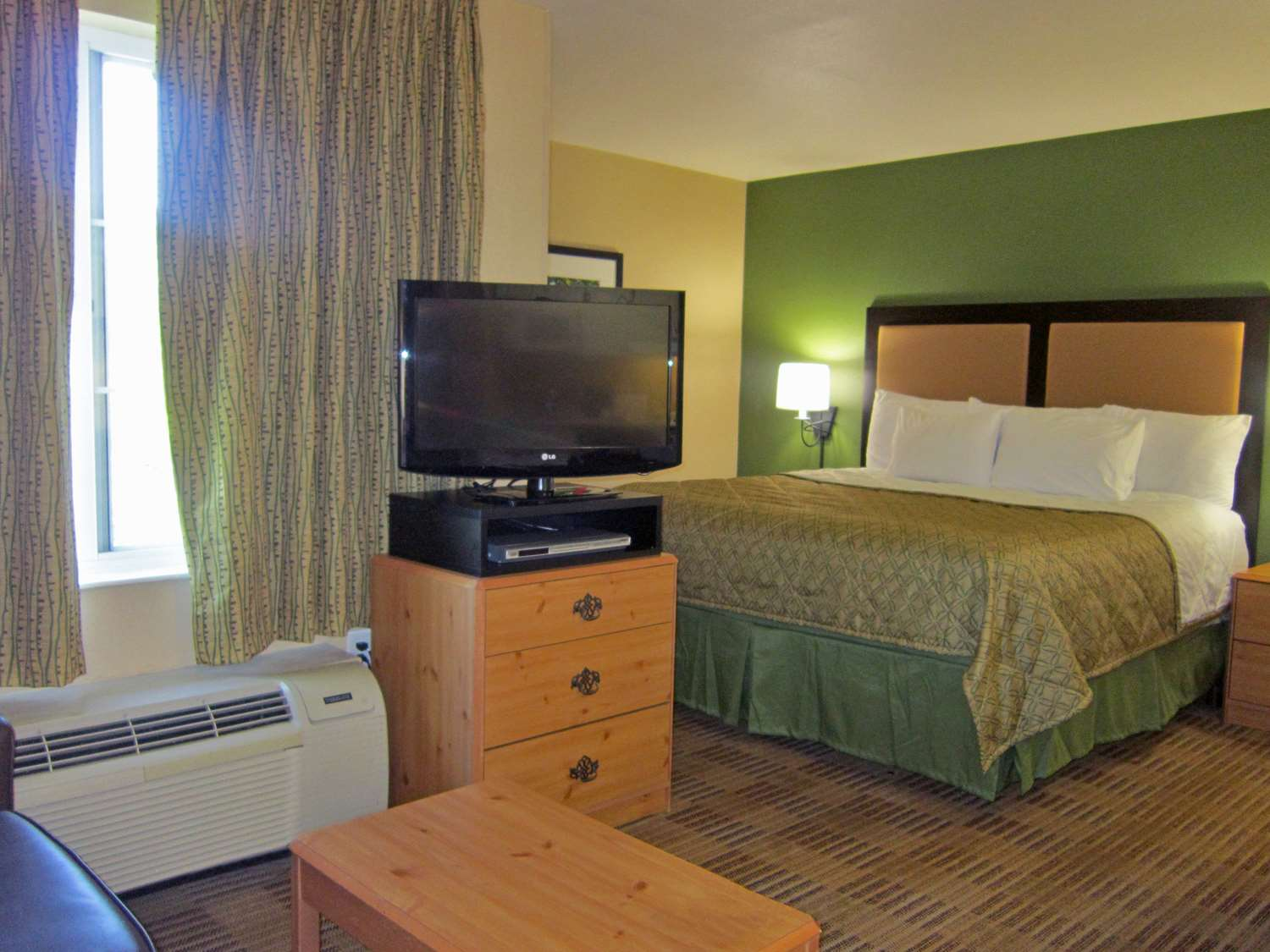 Room - Extended Stay America Hotel 32 4th Avenue Waltham