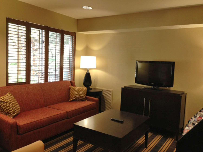 Bar - Extended Stay America Hotel 32 4th Avenue Waltham