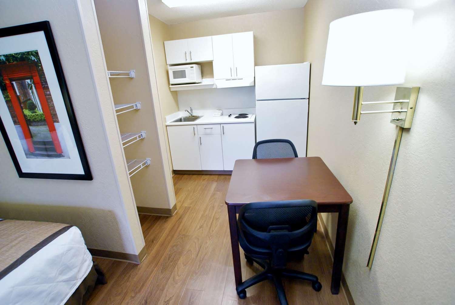 Room - Extended Stay America Hotel Fresno
