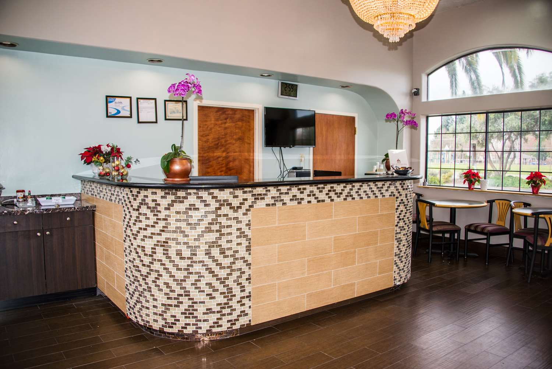 Lobby - SureStay Plus Hotel by Best Western Santa Clara
