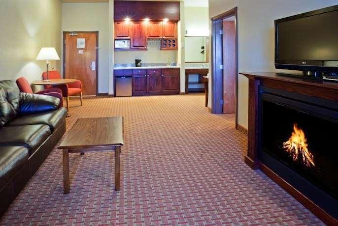 Suite - Baymont Inn & Suites Sturgis