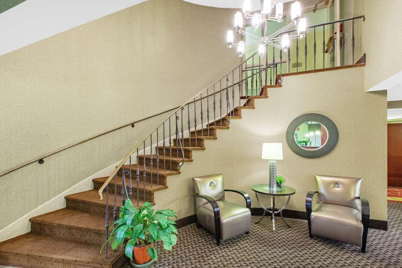 Lobby - Baymont Inn & Suites Harrisburg