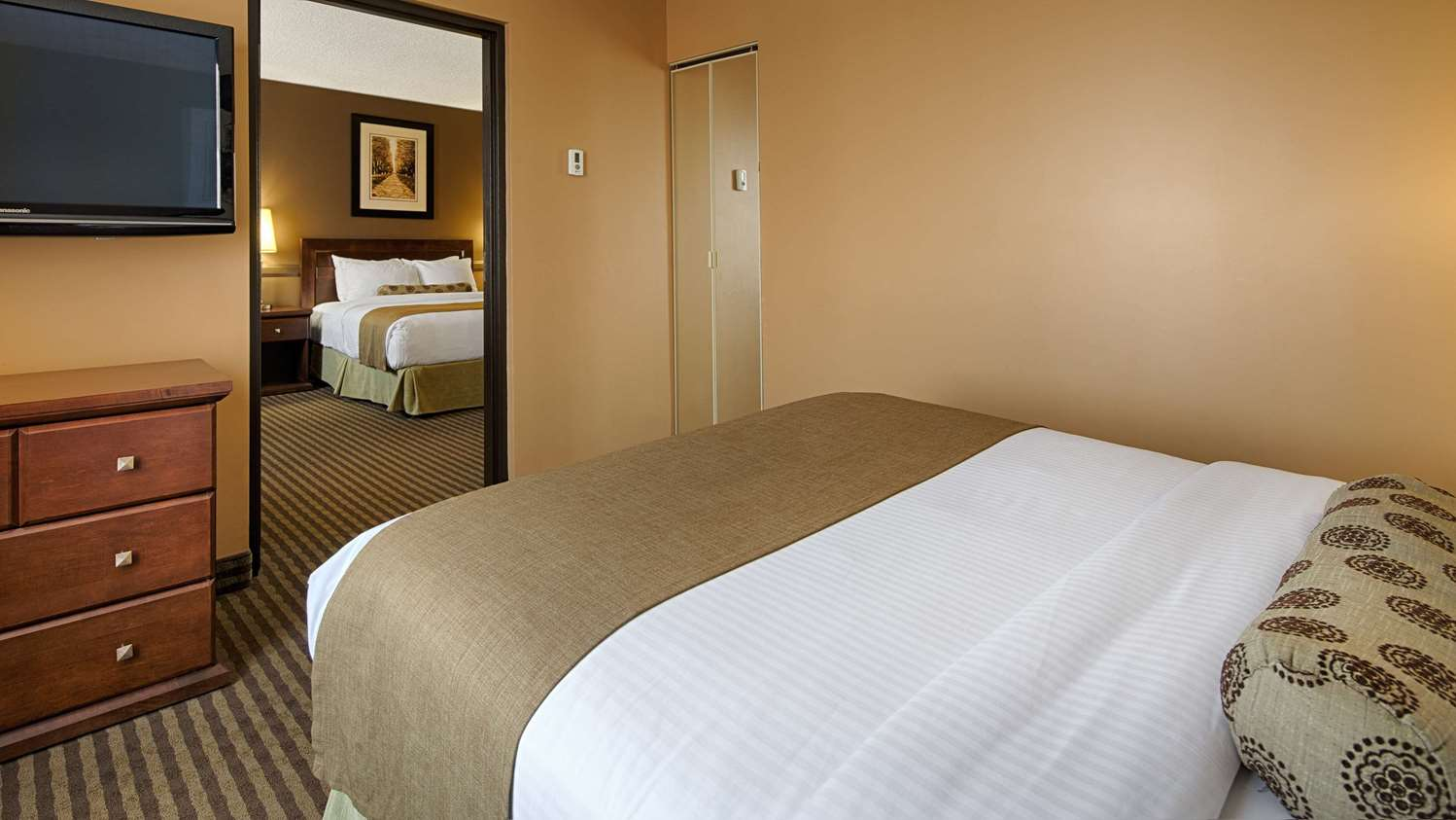 Suite - SureStay Plus Hotel by Best Western Airport Regina