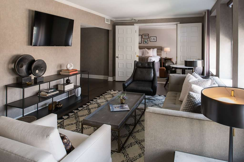 Suite - Claridge House Hotel Downtown Gold Coast Chicago