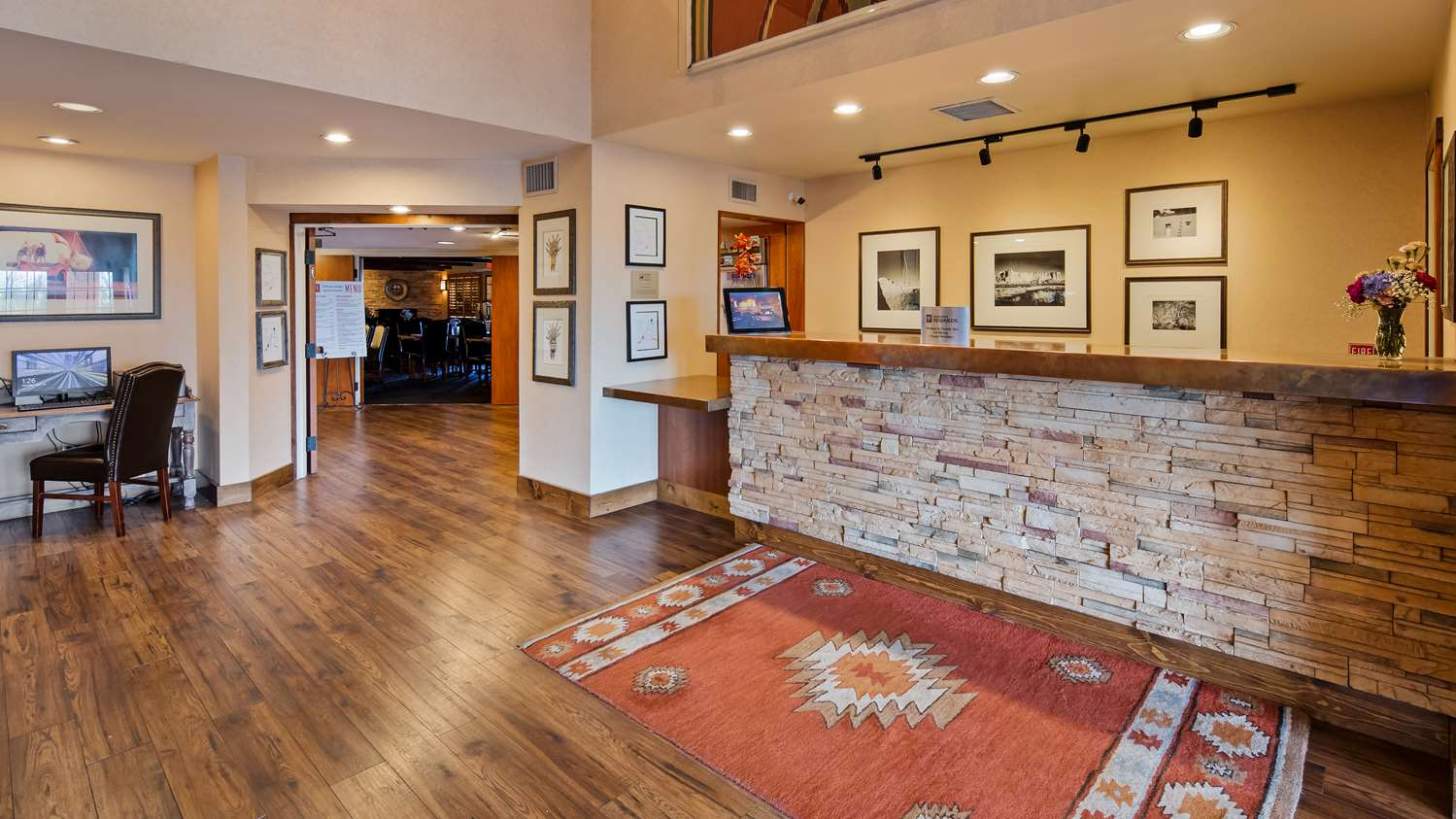 Lobby - SureStay Collection by Best Western Inn at Santa Fe