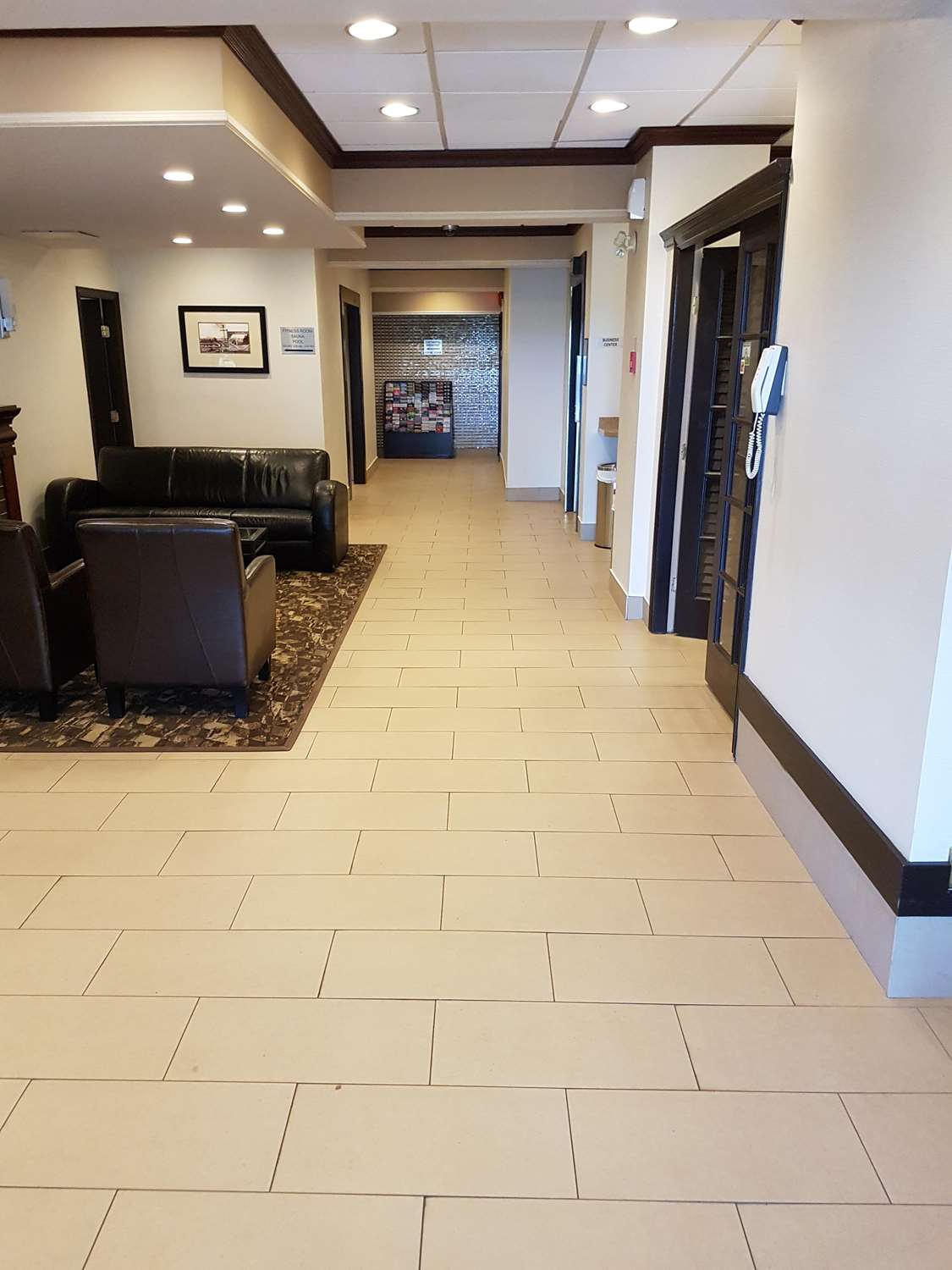 Lobby - SureStay Plus Hotel by Best Western Coquitlam