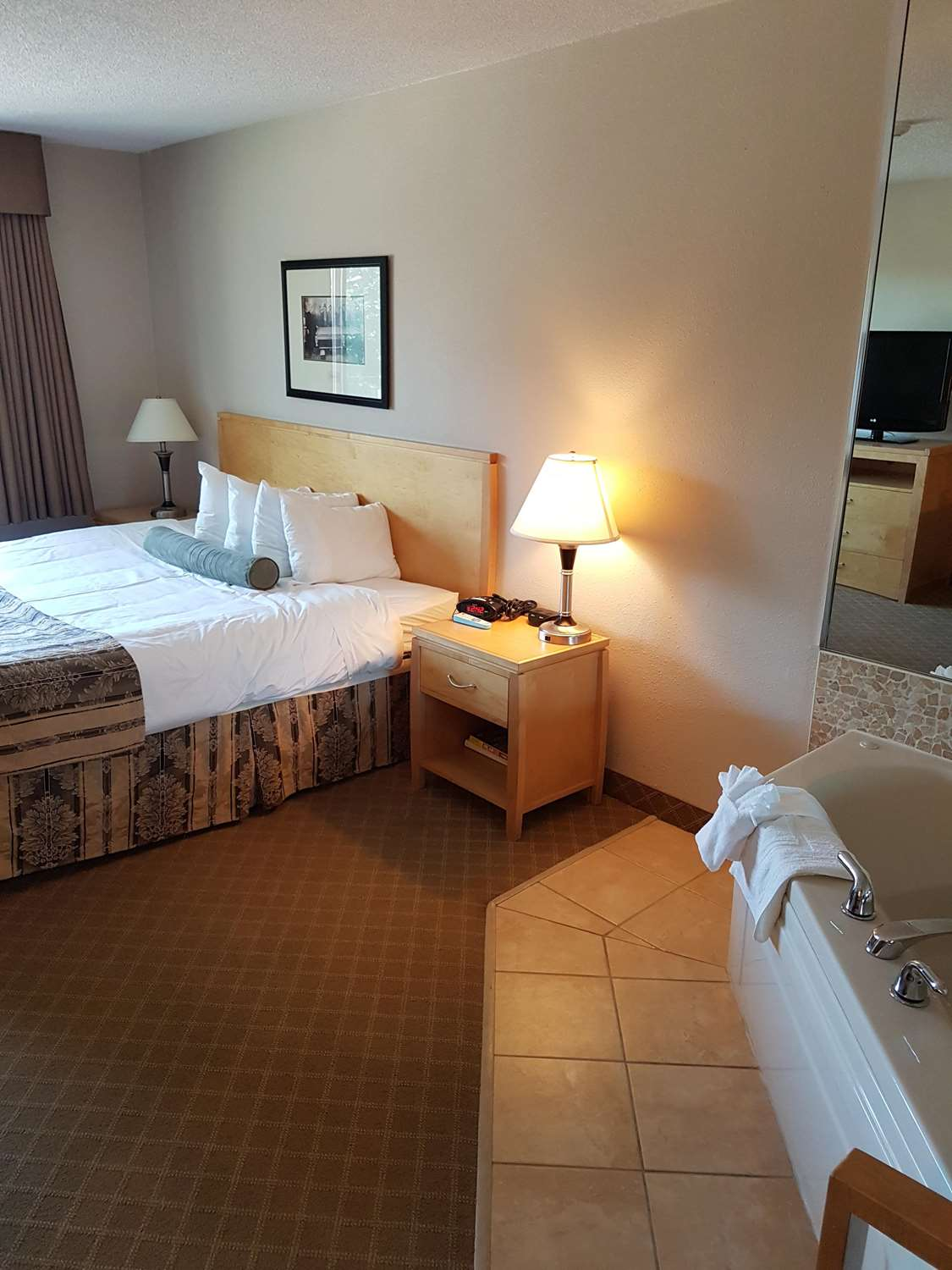 Suite - SureStay Plus Hotel by Best Western Coquitlam