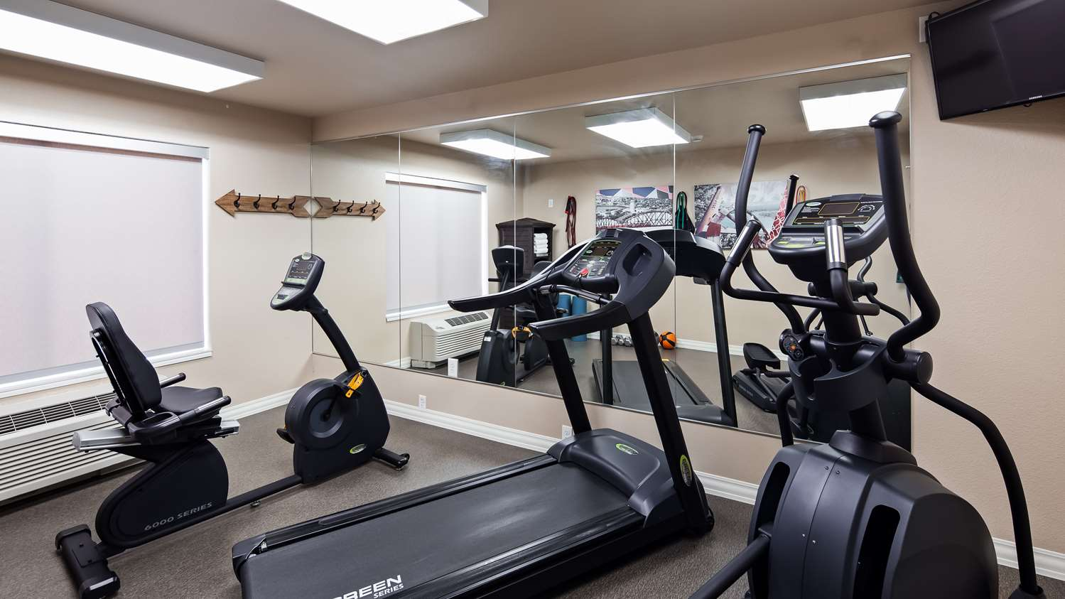 Fitness/ Exercise Room - Best Western Roosevelt Place Hotel Bismark
