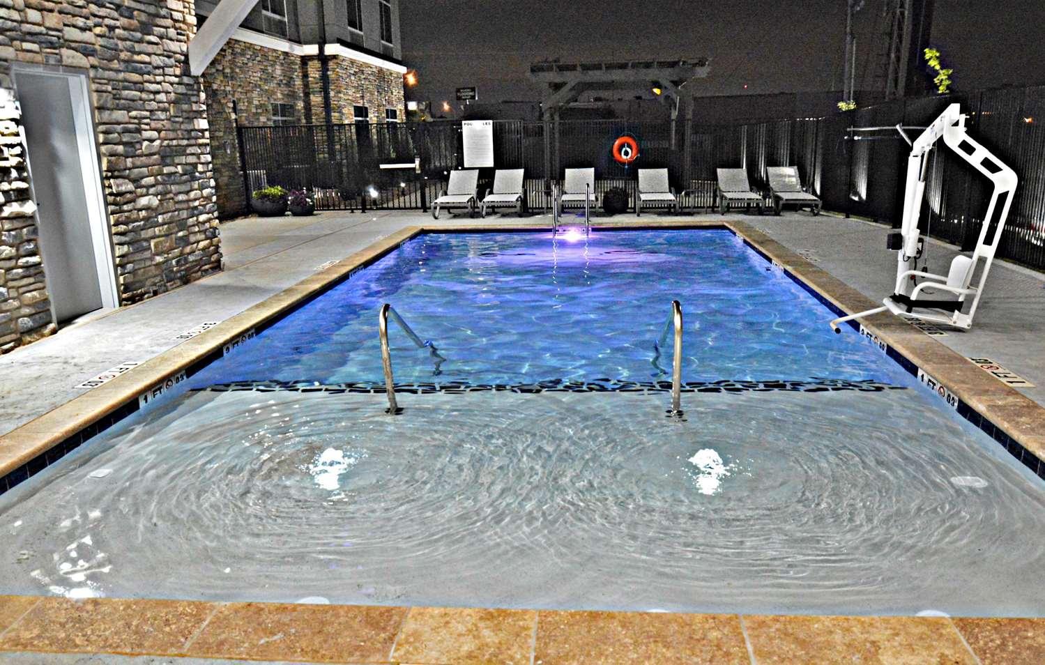 Pool - Best Western Plus Executive Residency Oklahoma City