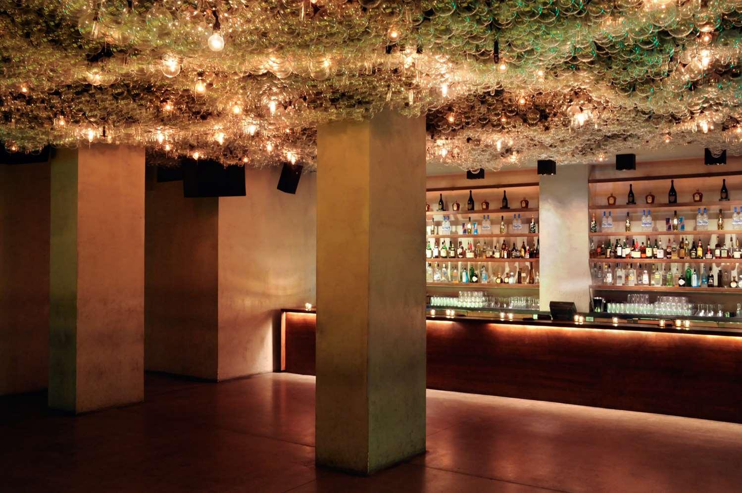 Bar - Modern Hotel Waikiki Honolulu