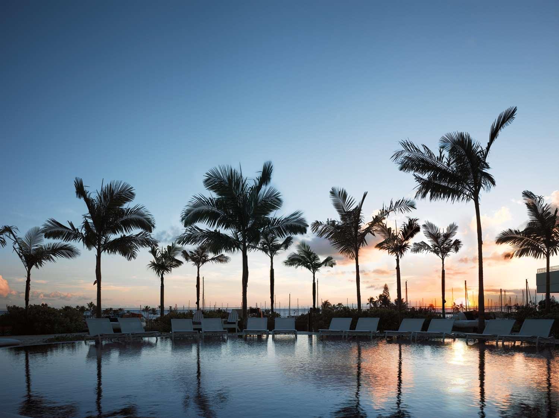 Beach - Modern Hotel Waikiki Honolulu