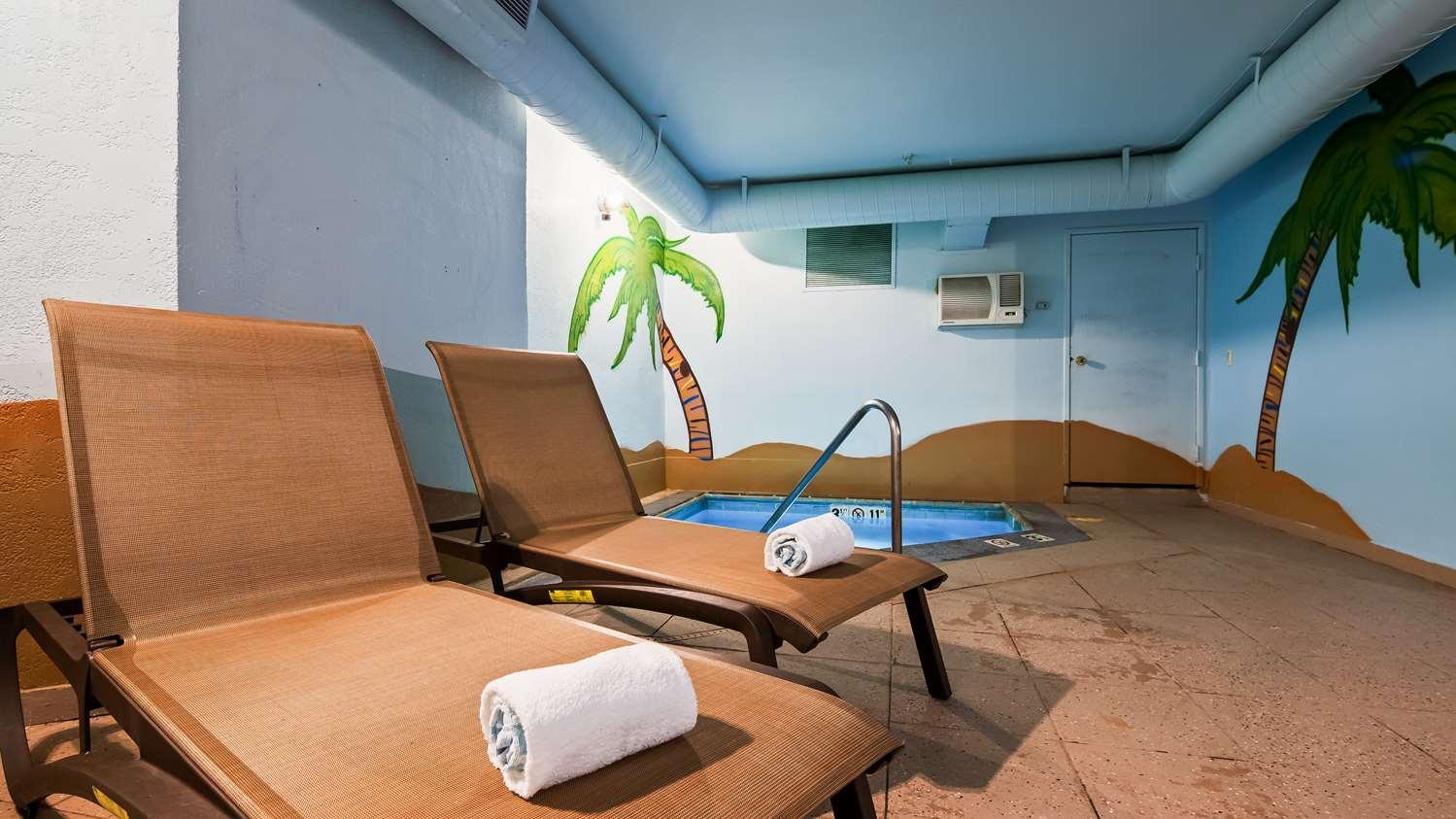 Pool - SureStay Plus Hotel by Best Western Thornton